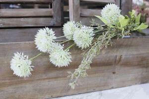 Biela umelá kytička z poľných kvietkov 49cm