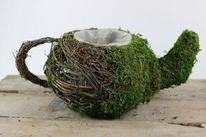 Hnedo zelená prútená nádoba v tvare čajníka 32cm