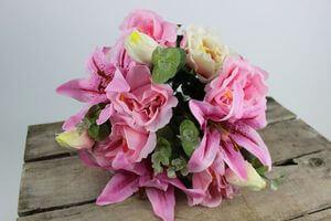 Ružová umelá kytica z rôznych druhov kvetov 45cm
