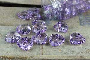 Fialové dekoračné kamienky v tvare srdiečka 40ks