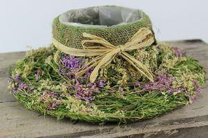 Zeleno fialový prírodný kvetináč v tvare klobúka