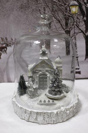Bielo sivá svietiaca vianočná dedinka v skle 22cm