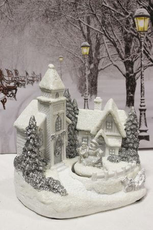 Bielo sivá svietiaca vianočná dedinka 18cm