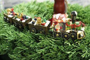 Svietiaci vianočný dekoračný vláčik s vagónmi 25cm
