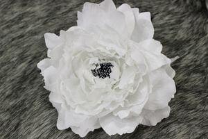 Biely sametový kvet pivonky 19cm