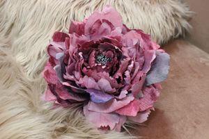 Cyklámenový sametový kvet pivonky 19cm