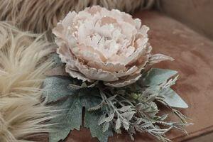 Bledoružový vianočný kvet pivonky s glitrom 11cm