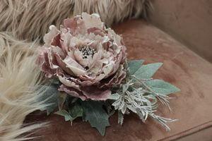 Ružový vianočný kvet pivonky s glitrom 11cm